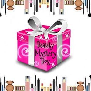Surprise Beauty Box